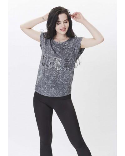 Cep Detaylı ve Yazılı Tshirt - Siyah Tayt
