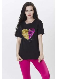 Kalp Şeklinde Pul Nakış Detaylı Tshirt